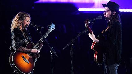 WATCH: Tori Kelly & James Bay's Grammys 2016 Duet Performance