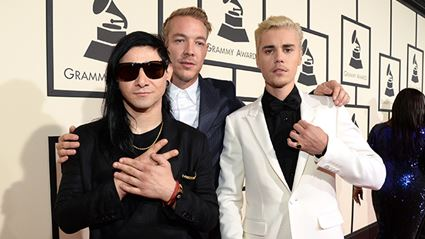 Justin Bieber Performs 'Love Yourself' & 'Where Are U Now' at Grammys 2016