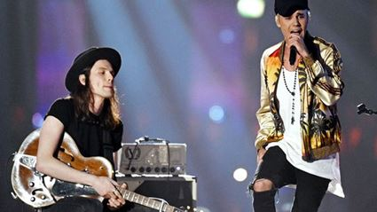 Justin Bieber Performed 'Love Yourself' With James Bay At The BRIT Awards