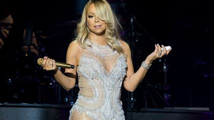 Mariah Carey Performs Duet With Video Projection Of Whitney Houston