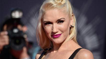 Gwen Stefani Believes Social Media is 'Comforting'