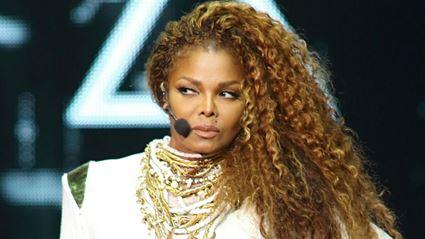 Janet Jackson Postpones Tour, Hints at Pregnancy