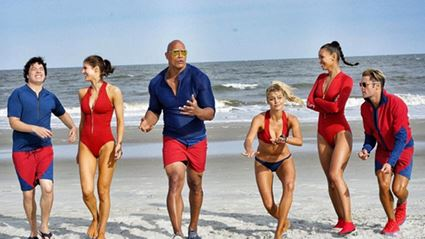 "Zac Efron Tripping During ""Baywatch"" Run Is Another Reason To Love Him"