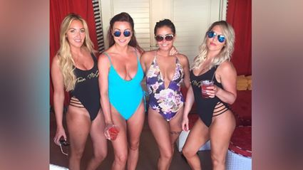Ya'll need to see how hot Conor McGregor's sisters are!